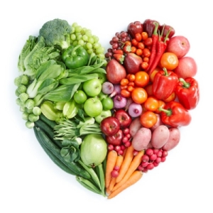 Fruits and vegetables in the shape of a heart, green on one side, red on the other. Photo credit goes to http://saladexpress.ca/en/blog/fruits-and-vegetables-canadas-food-guide-superstars