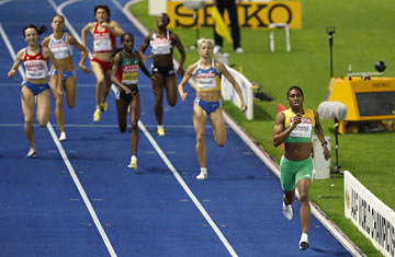Caster Semenya ahead of the pack in the women's 800m, Rio 2016. Photo credit: Michael Sohn, AP
