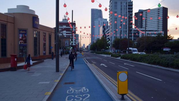 cmglee_london_cycle_superhighway_2_wikimedia_commons