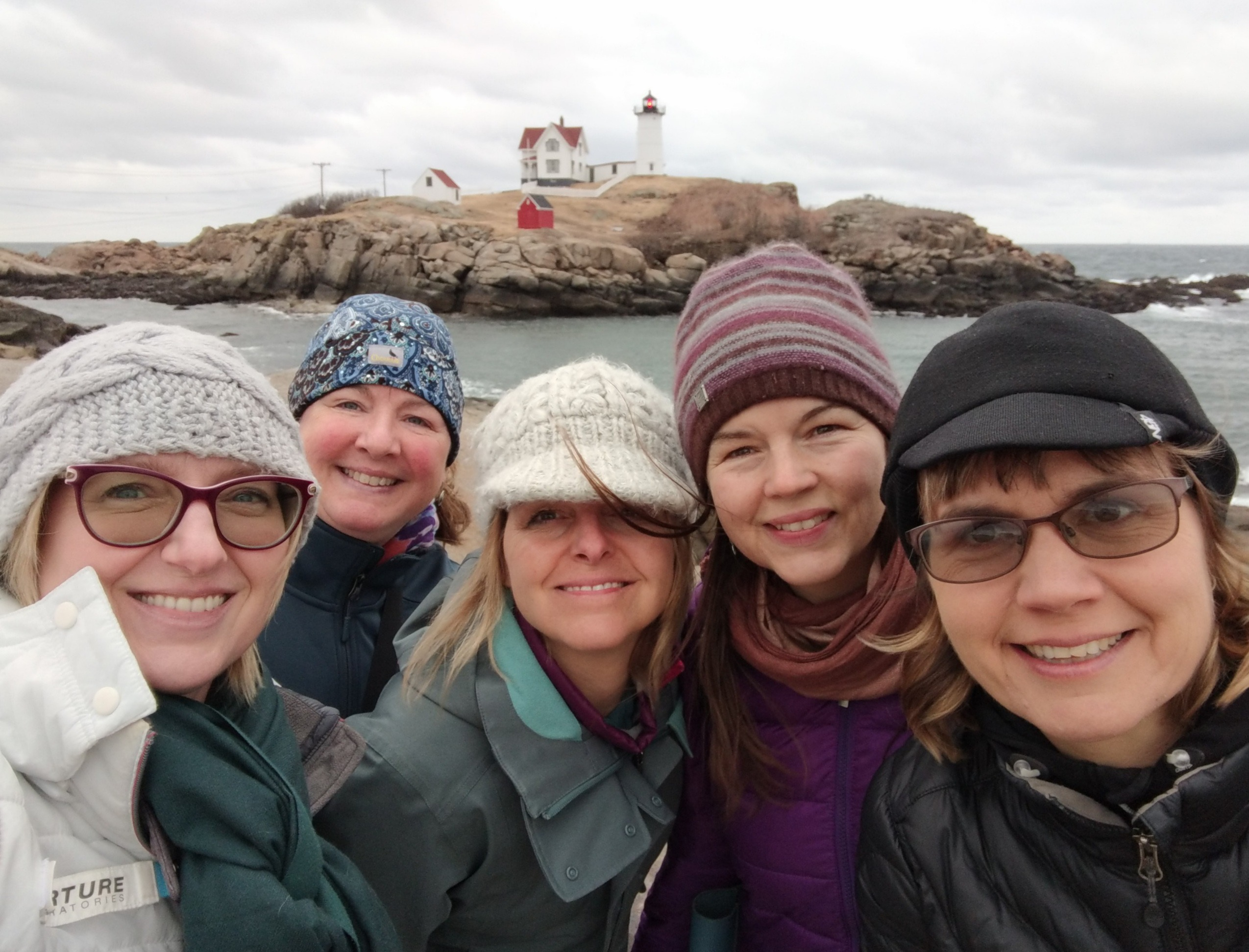 Kathy, me, Michele, Lisa and Rachel in front of the Nubble lighthouse (before Kim and Norah arrived).